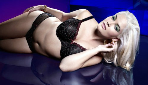 Whitney Thompson in Panache Sculptresse Dina