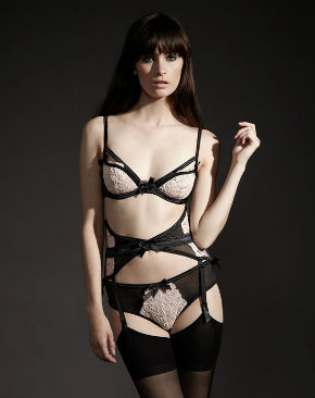Vivienne lingerie set from Bluebella